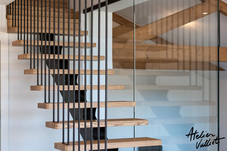 escalier design verre acier bois sur mesure artisanat Annecy